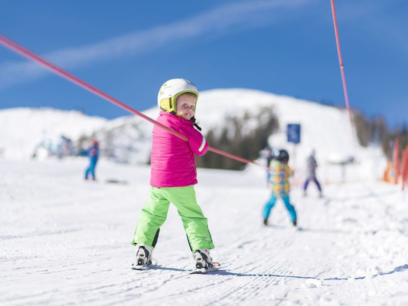 Kind am Skilift